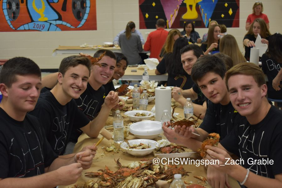 Senior+Crab+Feast+2018+Photos