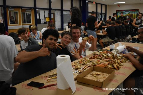 Seniors Attend Annual Crab Feast